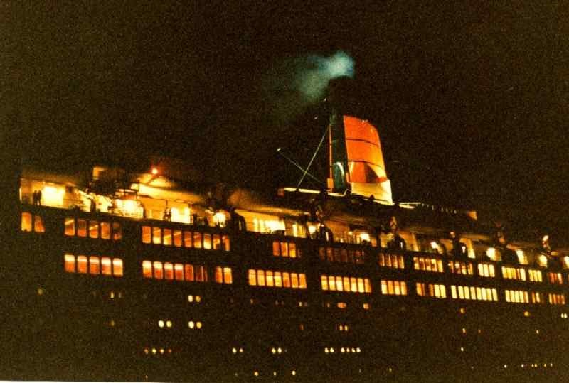 Last photo taken of the QE2 Ad_690_2